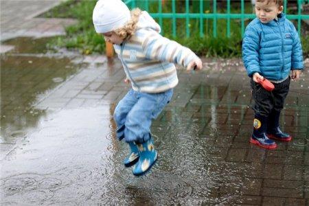 Счастье - это когда умеешь радоваться любой мелочи и получаешь удовольствие от маленьких шалостей!