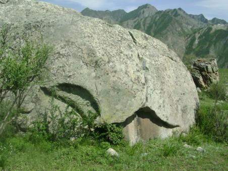 камни, земля
