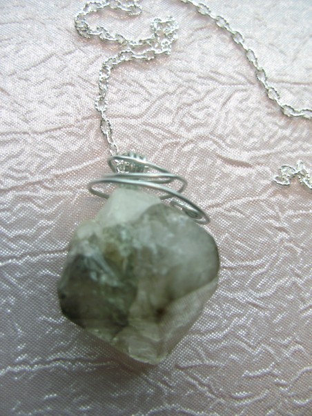 маятник из натурального камня
