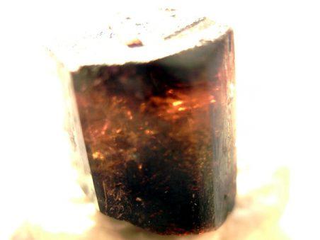 камень турмалин дравит